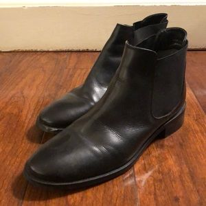 Topshop women's black ankle boots in size 8